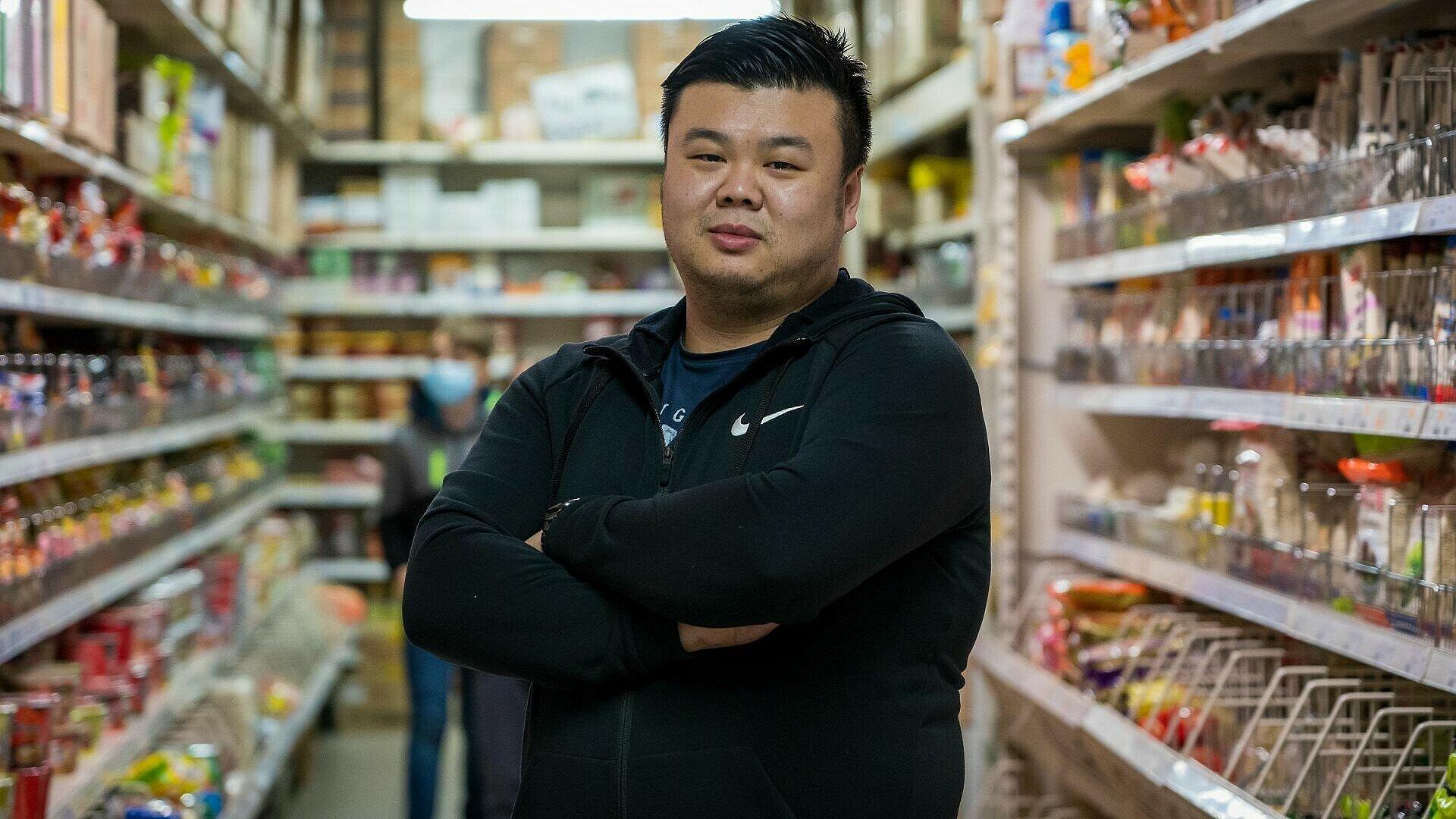 Geschäftsführer Yen Souw Tain im Heng Long Asia Supermarkt