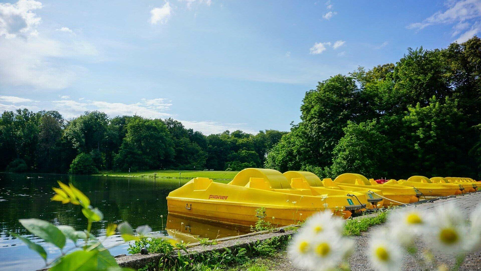 Beim Haus am See in Lindenthal kann man Tretboote ausleihen