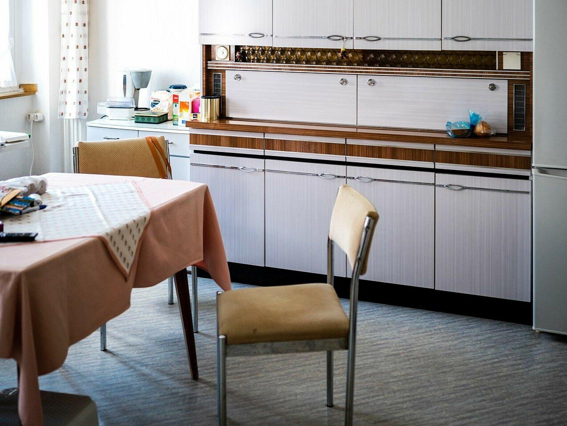 GAG-Mieterin Magdalena Jacobs wurde in dieser Küche in Mauenheim geboren