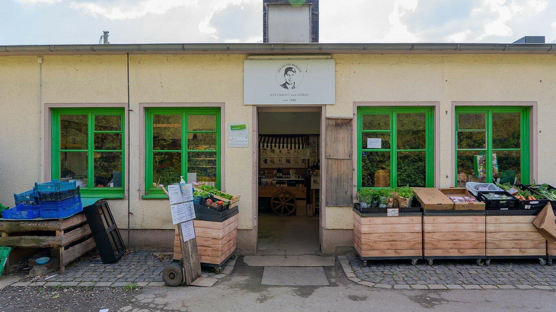"""Fassade des """"Kölner Biobauern"""" in Humboldt/Gremberg"""