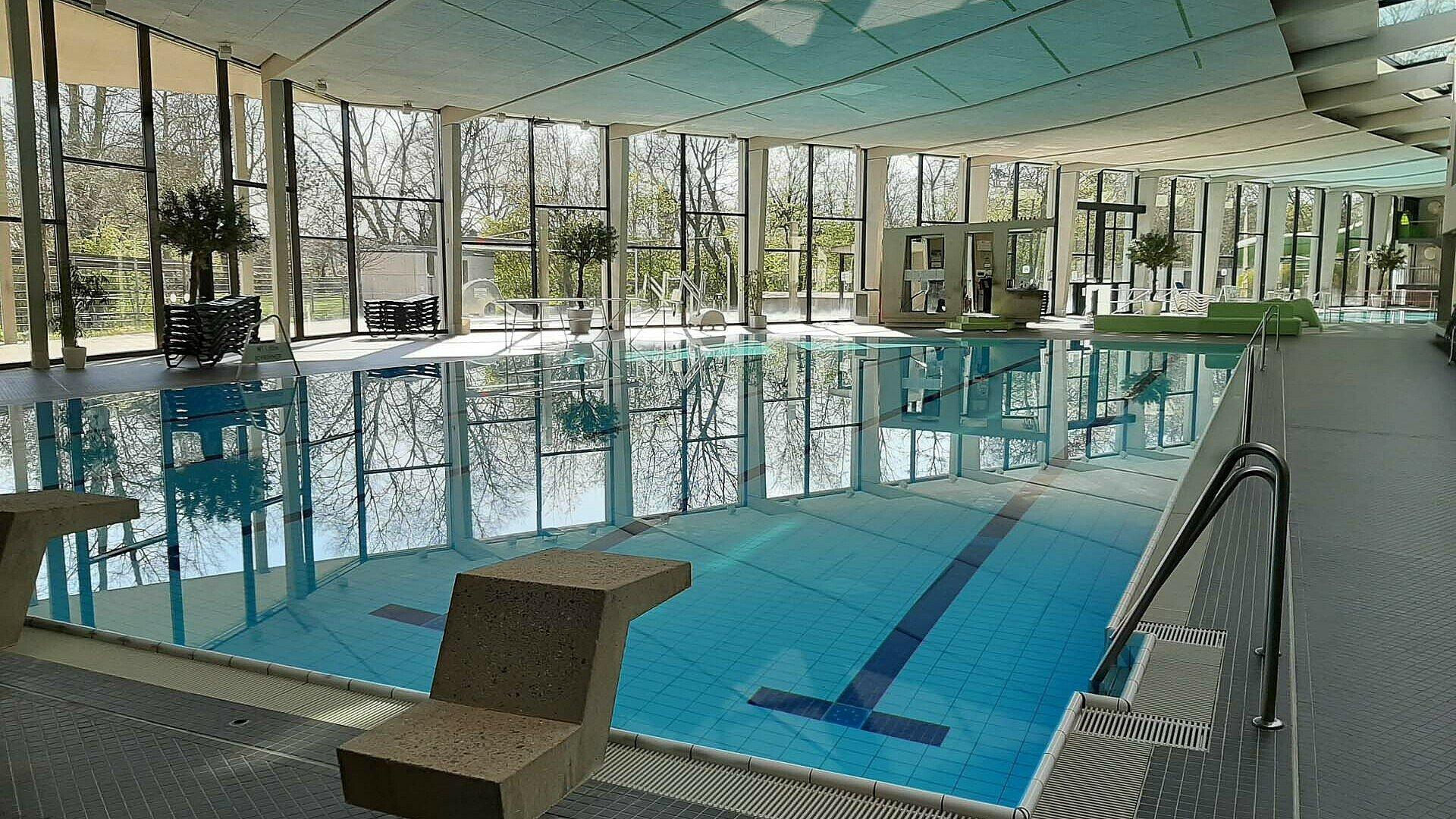 """Das """"Ossendorfbad"""" bietet Familien und Sportbegeisterten tollen Badespaß"""