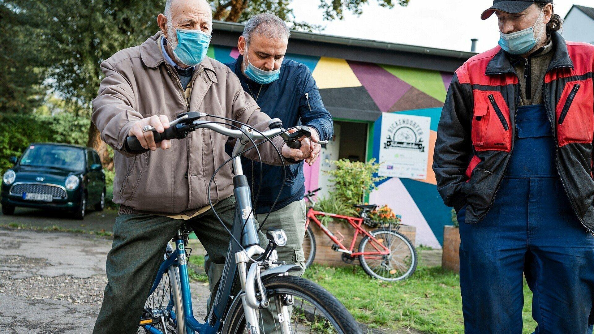 Testfahrt am Bickendorfer Fahrradbüdchen