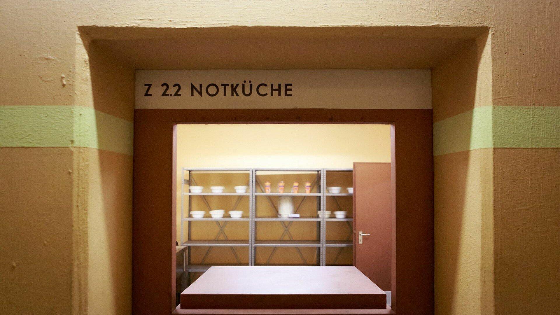 Notküche im Atombunker Kalk