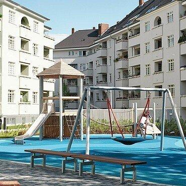 Spielplatz im Innenhof des Pohligblocks in Zollstock