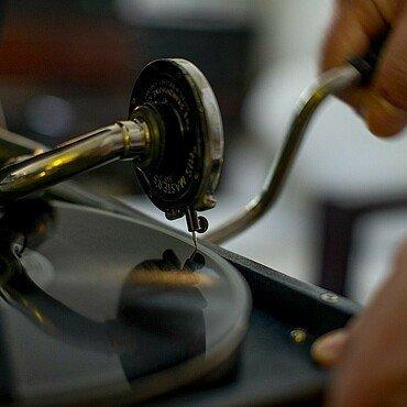 Altes Grammophon in der Wohnung von Claus Michael Sierp im Agnes-viertel
