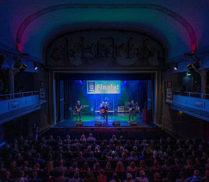 Die Volksbühne am Rudolfplatz ist ausverkauft beim großen Finale von Euer Song für Köln im Jahr 2019