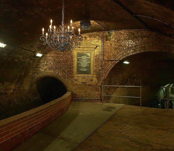 Kronleuchtersaal in der Kanalisation in Köln