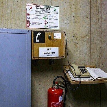 Notfall-Telefon im Fernwärmetunnel der Rheinenergie