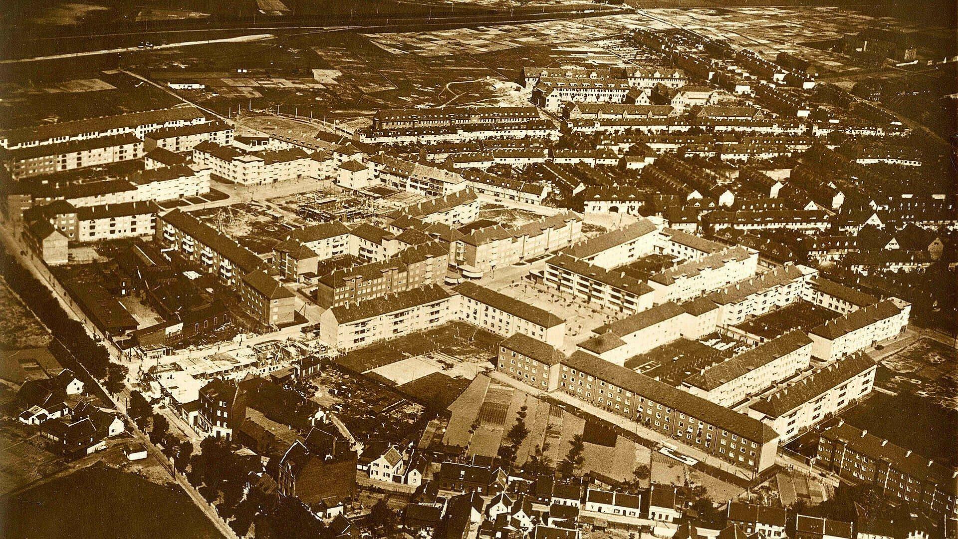 Historische Luftaufnahme der Rosenhofsiedlung in Bickendorf
