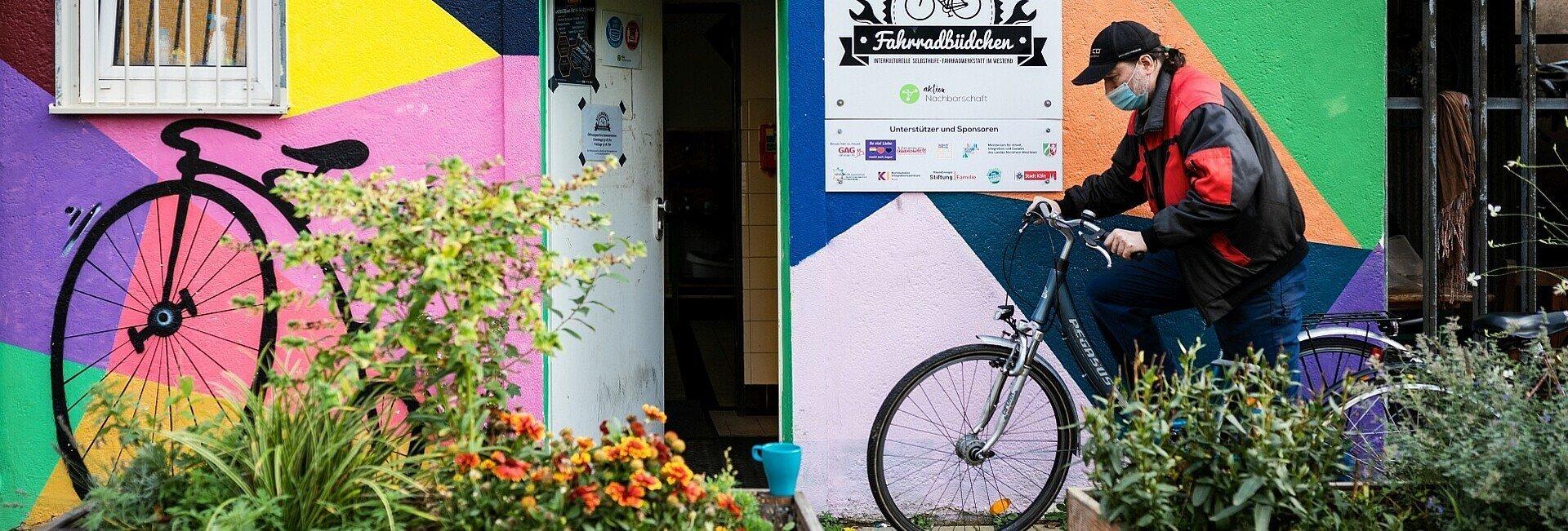 Das Bickendorfer Fahrradbüdchen ist Treffpunkt, Schrauberwerkstatt und Nachbarschaftshilfe