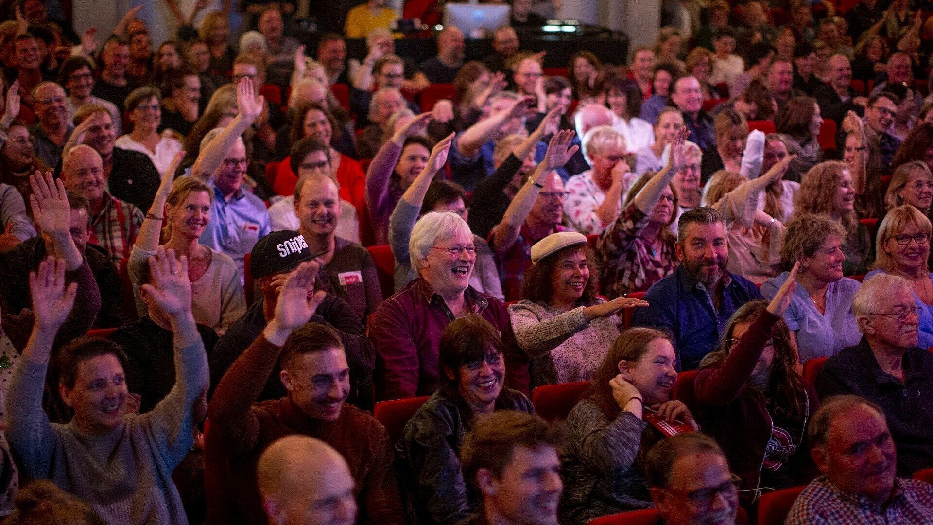 Das Publikum in der Volksbühne beim Finale von Euer Song für Köln 2019
