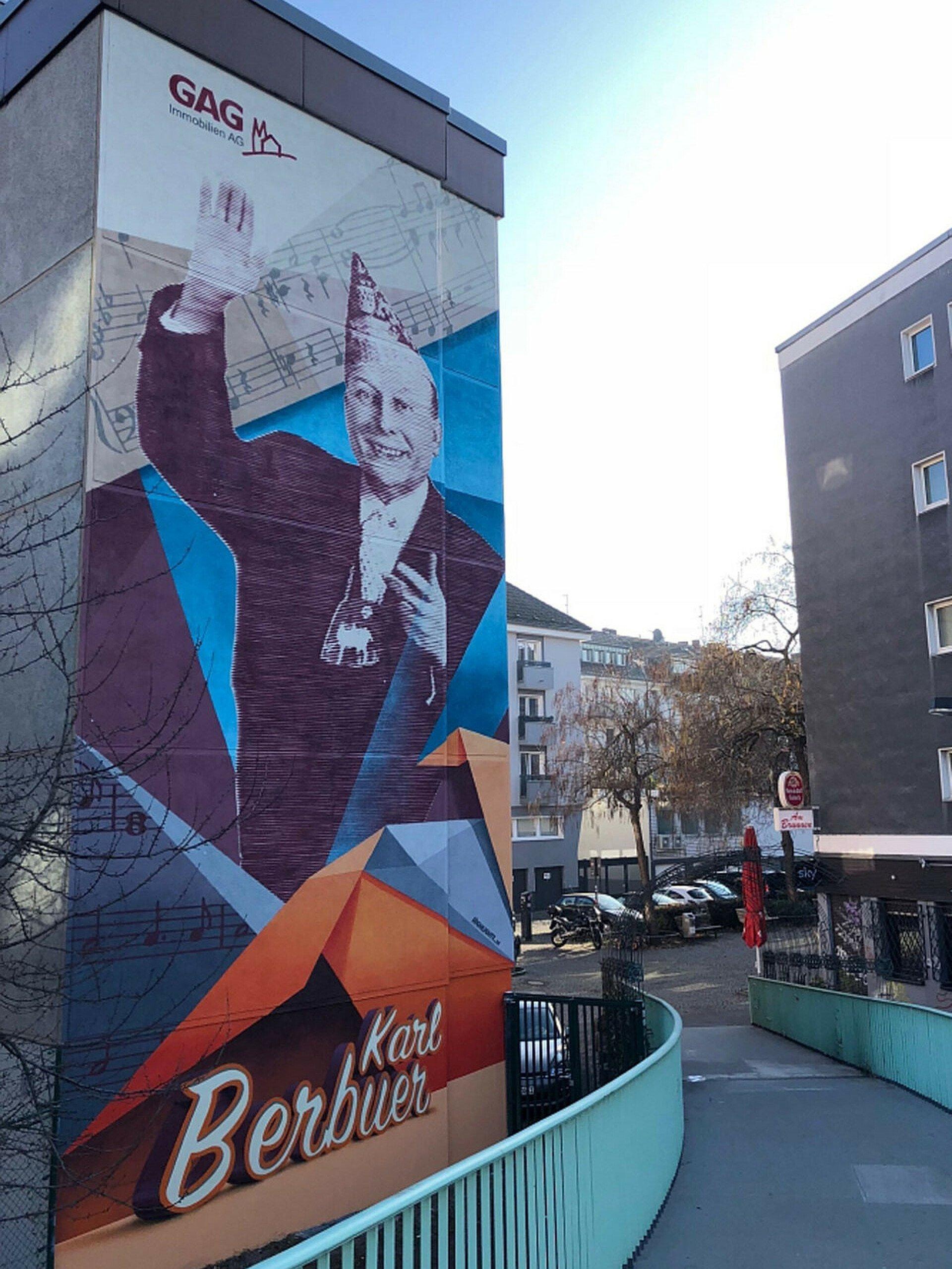 Fassadenansicht Mural am Karl-Berbuer-Platz in der Südstadt