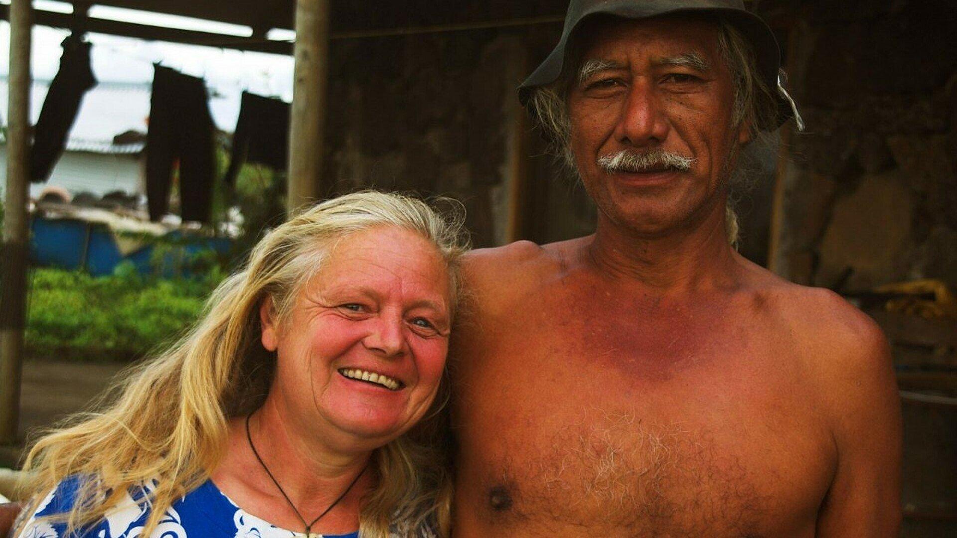 Stephanie Pauly mit ihrer großen Liebe auf den Osterinseln