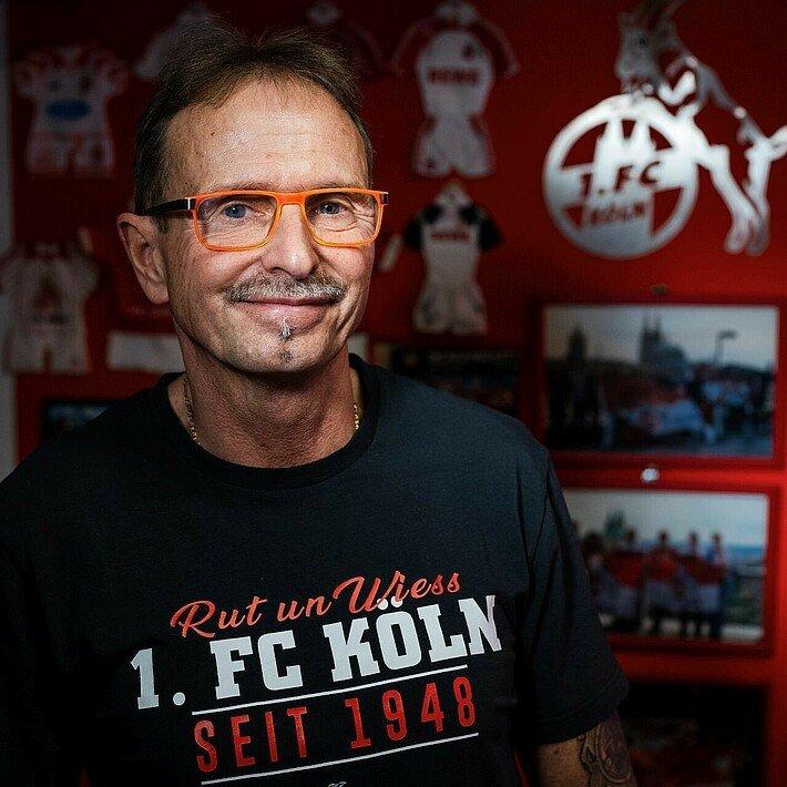 Norbert Blum in seinem FC-Zimmer in Kalk
