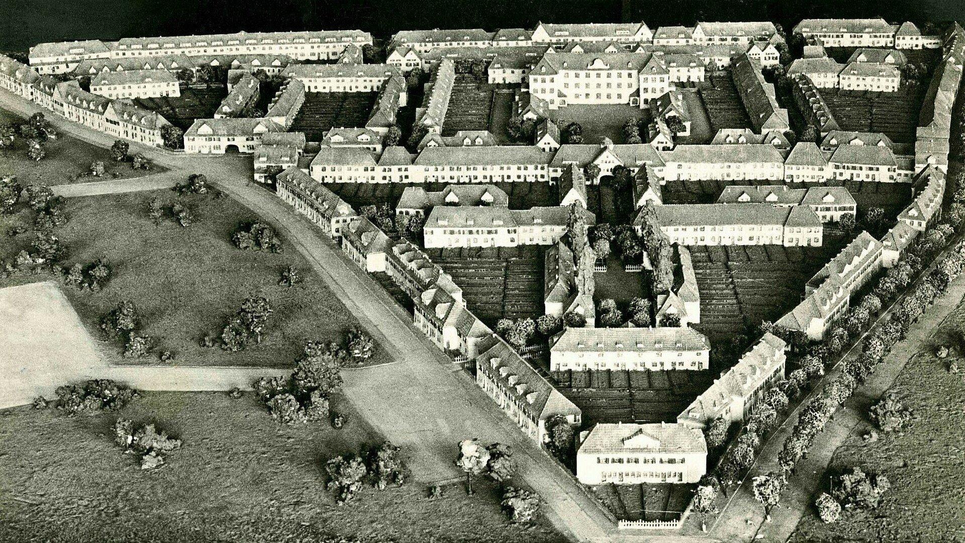 Historisches Foto von einem Modell der Siedlung Bickendorf I in Bickendorf