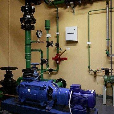 Pumpen für Trinkwasser im Atombunker Kalk