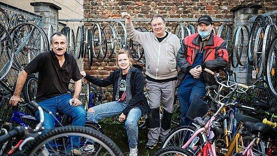 Ein Teil der Helfer vom Bickendorfer Fahrradbüdchen