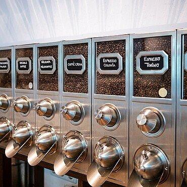 """Kaffeesorten in der """"Kölner Kaffeemanufaktur"""" in Lindenthal"""