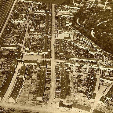 Luftaufnahme der historischen Nibelungensiedlung in Mauenheim