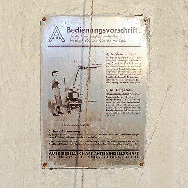 """Bedienungsvorschrift Luftschutzraumbelüfter im """"Röhrenbunker"""" am OLG"""