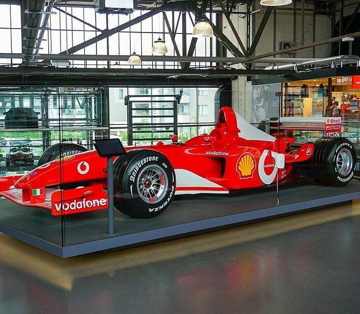 """In der """"Motorworld Köln"""" gibt es viele Ausstellungsstücke aus Michael Schumachers Sammlung"""