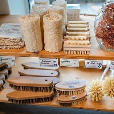 "Nonfood-Produkte im Unverpacktladen ""Tante Olga"" in Sülz"