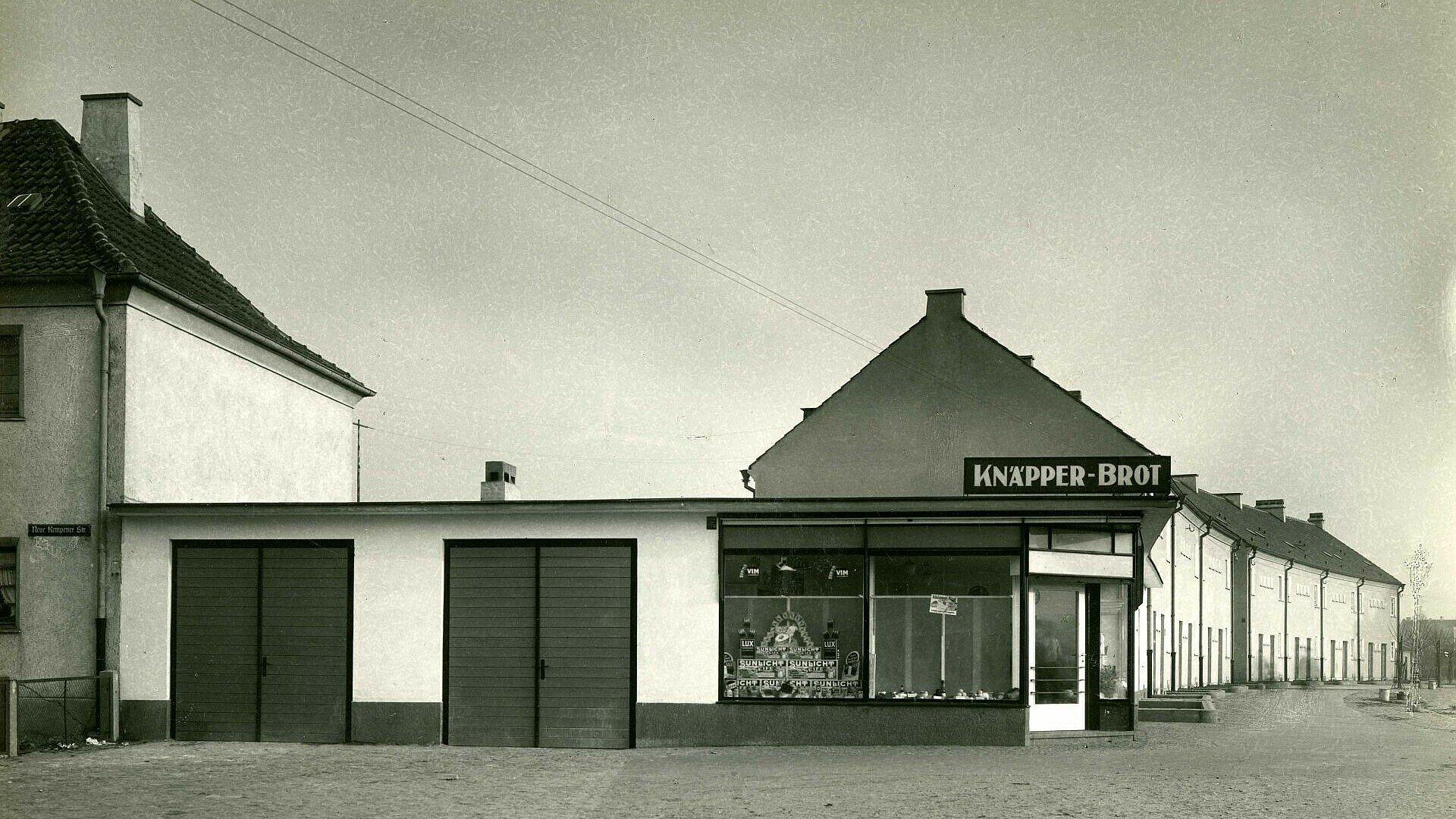 Historisches Foto einer Bäckerei in der Nibelungensiedlung in Mauenheim
