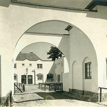 Historisches Foto der Nibelungensiedlung in Mauenheim