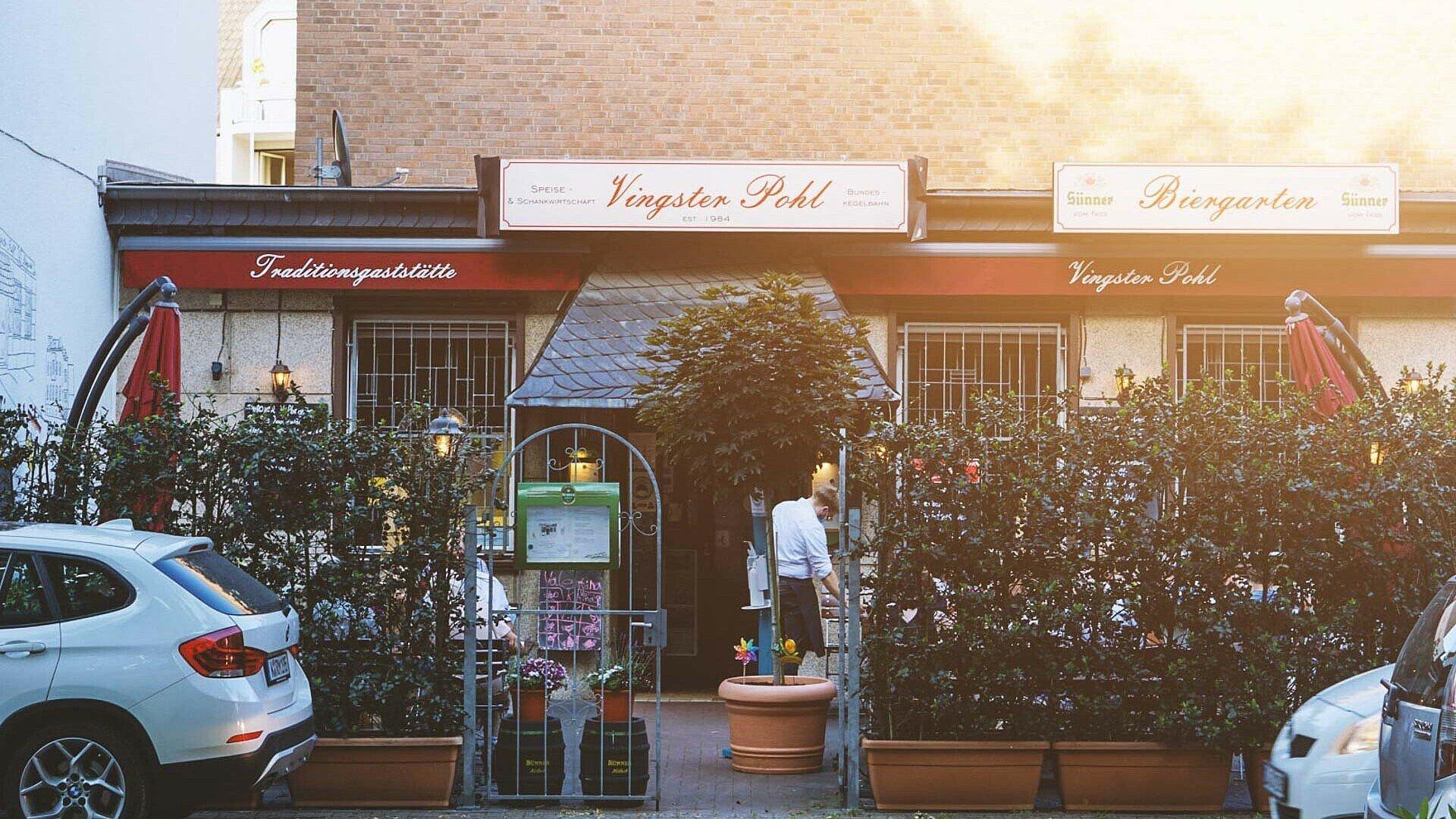 """Die Traditionsgaststätte """"Vingster Pohl"""" ist seit 1984 der Anlaufpunkt für gutbürgerliche Hausmannkost in Vingst"""