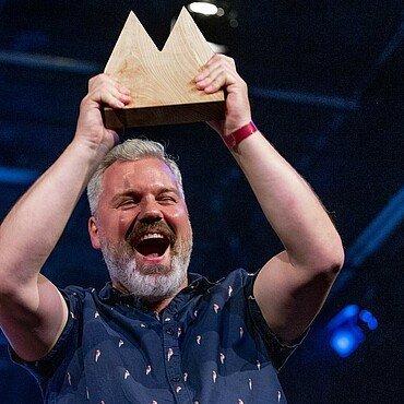 Drittplatzierter Mathias Nelles freut sich über die Auszeichnung