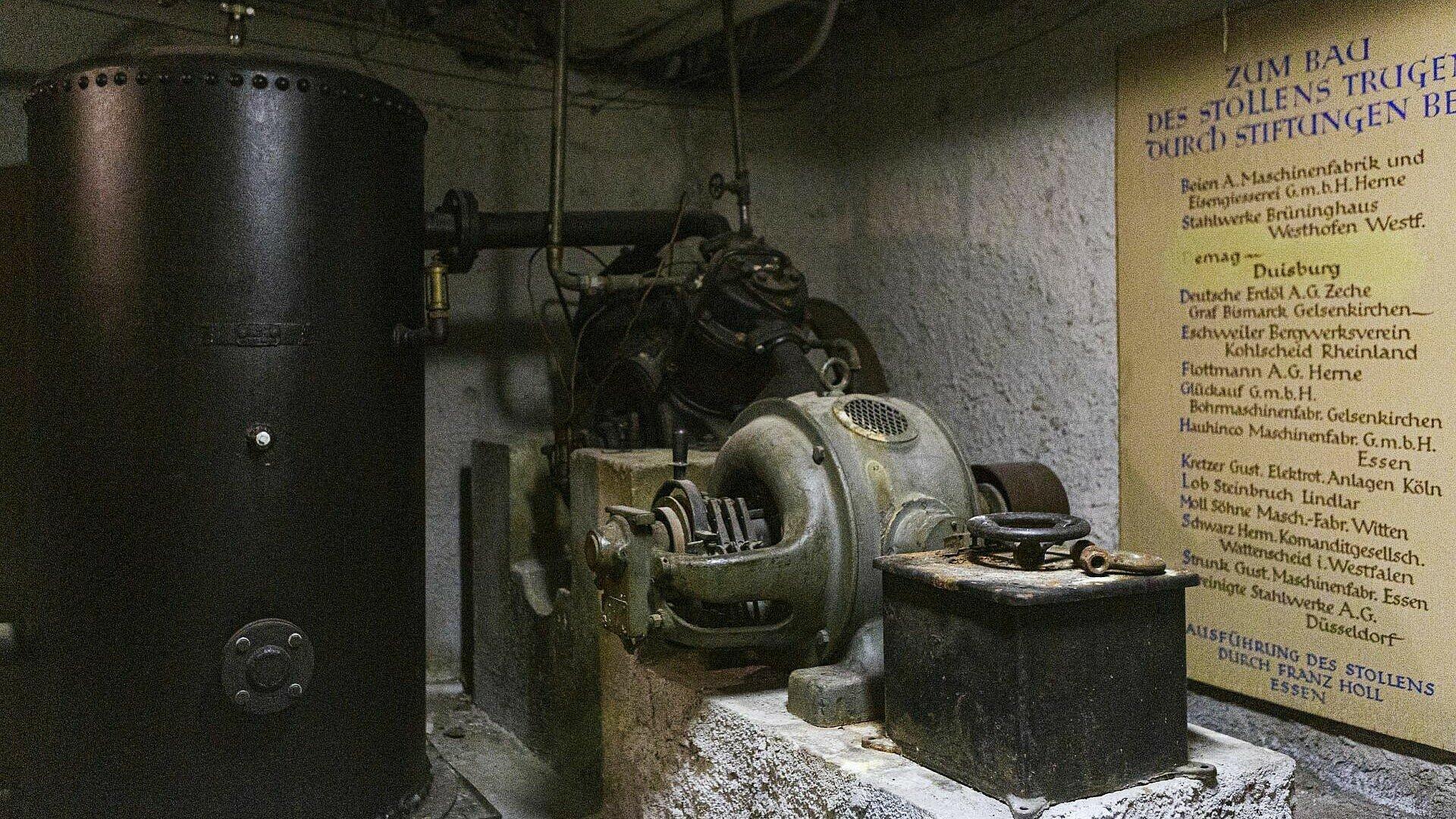 Pressluftkompressor im Barbarastollen in Köln